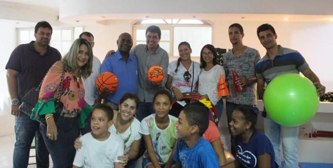 Prefeitura de Serrinha entrega novos equipamentos para o CAPENE