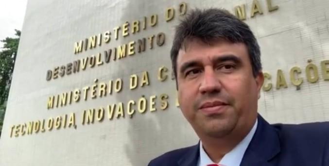 Prefeito Adriano Lima conquista mais obras para Serrinha em Brasília